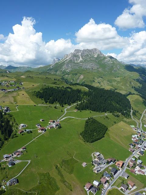 lech-am-arlberg-225616_640