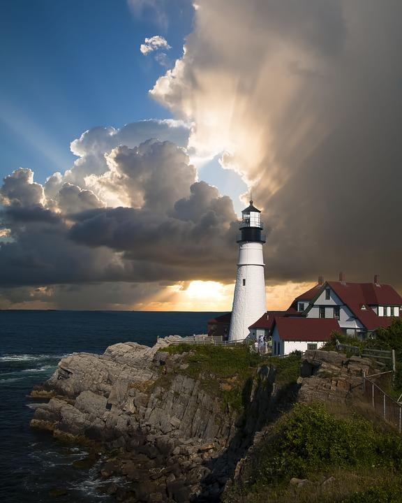 lighthouse-168132_960_720